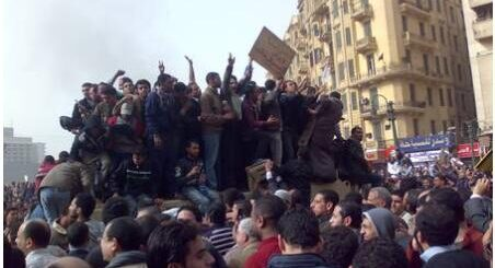 Egypt Protesters on the tank